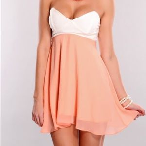Peach pink white lace strapless sweethearts dress